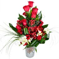 Vertical bouquet with amaryllis