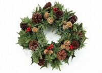 Wreath with cones