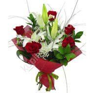 Classic red and white bouquet