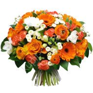 Bouquet of orange gerberas and ranunculus