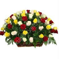 Basket of roses mix