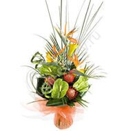 Bouquet of roses and strelitzia