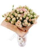 Bouquet of cream spray roses