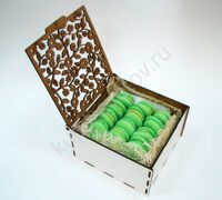 Box of pistachio macarons S