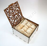 Box of white macarons S