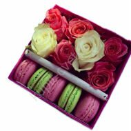 Roses with macarons