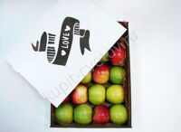 Large box of apples mix