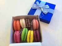 Small set of macarons
