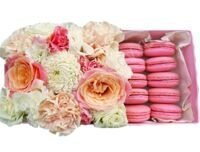 Box with pink macarons