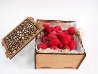 Casket with raspberries
