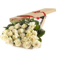 Box with white roses