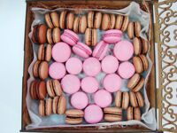 Mega Box of macarons Heart XL