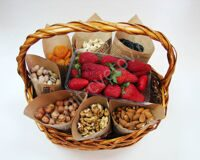 Nut basket for her